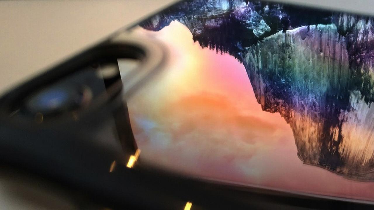iPhone7専用ケース ジェットブラックへの不満を一気に解決してくれるケース